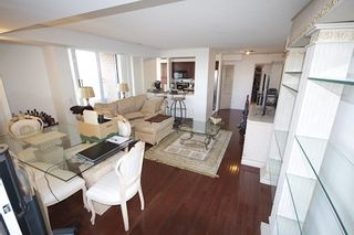 Photo 1: 1112 310 Red Maple Road in Richmond Hill: Langstaff Condo for lease : MLS®# N3453681