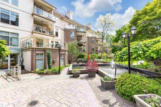 "Photo 3: 406 15340 19A Avenue in Surrey: King George Corridor Condo for sale in ""Stratford Gardens"" (South Surrey White Rock)  : MLS®# R2579128"