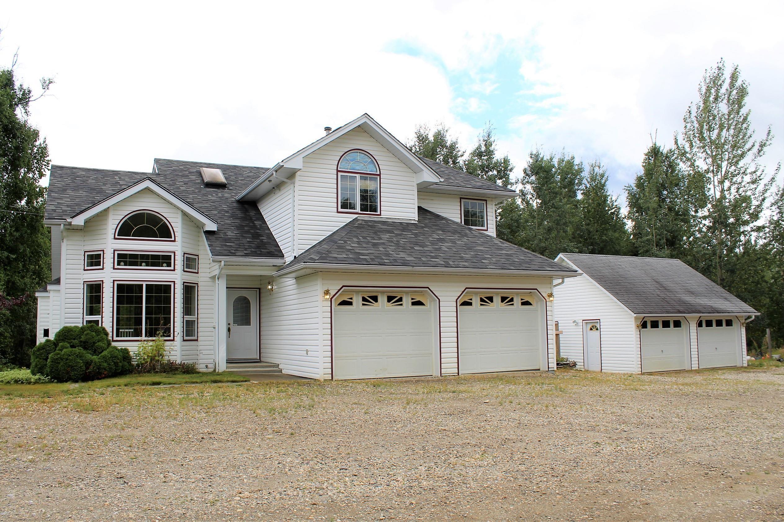 Main Photo: 26 MANITOBA Drive in Mackenzie: Mackenzie - Rural House for sale (Mackenzie (Zone 69))  : MLS®# R2612690