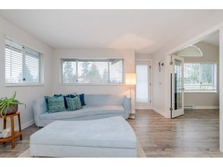 "Photo 6: 304 15991 THRIFT Avenue: White Rock Condo for sale in ""THE ARCADIAN"" (South Surrey White Rock)  : MLS®# R2426777"