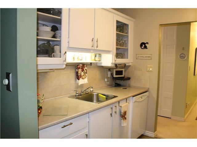 """Photo 6: Photos: 11654 KINGSBRIDGE Drive in Richmond: Ironwood Townhouse for sale in """"KINGSWOOD DOWNES"""" : MLS®# V932492"""