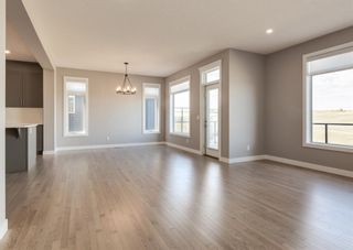 Photo 9: 203 Crestridge Hill SW in Calgary: Crestmont Detached for sale : MLS®# A1105863