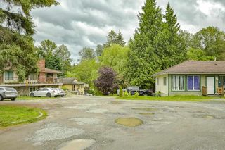 """Photo 26: 8676 E TULSY Crescent in Surrey: Queen Mary Park Surrey Townhouse for sale in """"Bear Creek Estates"""" : MLS®# R2463372"""