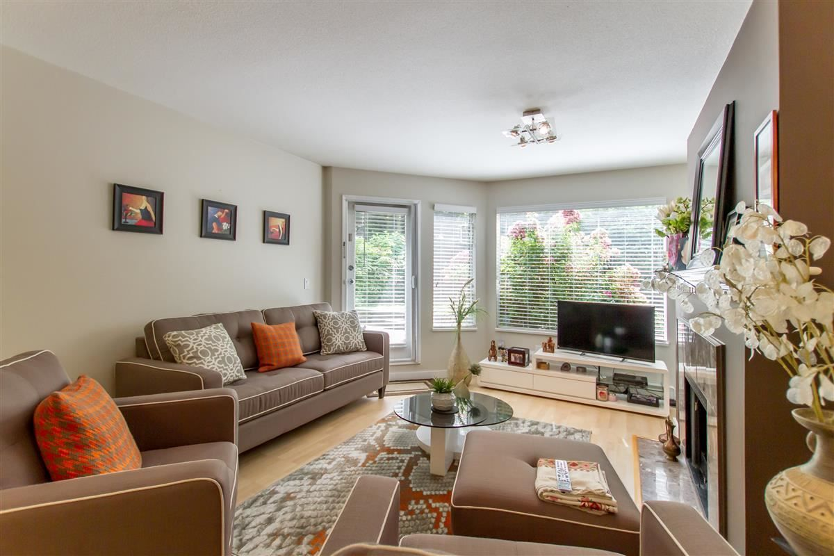 """Photo 3: Photos: 111 3770 MANOR Street in Burnaby: Central BN Condo for sale in """"CASCADE WEST"""" (Burnaby North)  : MLS®# R2398930"""
