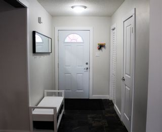 Photo 2: 12 LORELEI Close in Edmonton: Zone 27 Townhouse for sale : MLS®# E4224877