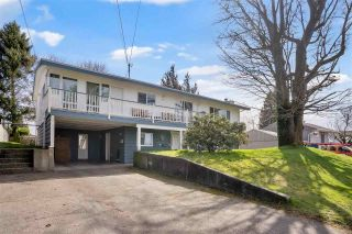 Photo 2: 2038 MARTENS Street in Abbotsford: Poplar House for sale : MLS®# R2560444