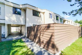 """Photo 3: 37 14111 104 Avenue in Surrey: Whalley Townhouse for sale in """"HAWTHORNE PARK"""" (North Surrey)  : MLS®# R2488903"""