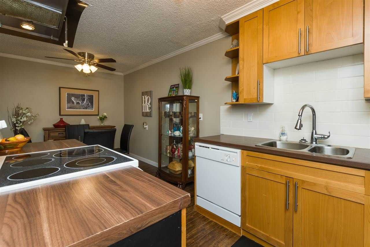"""Photo 12: Photos: 106 1442 BLACKWOOD Street: White Rock Condo for sale in """"BLACKWOOD MANOR"""" (South Surrey White Rock)  : MLS®# R2380049"""