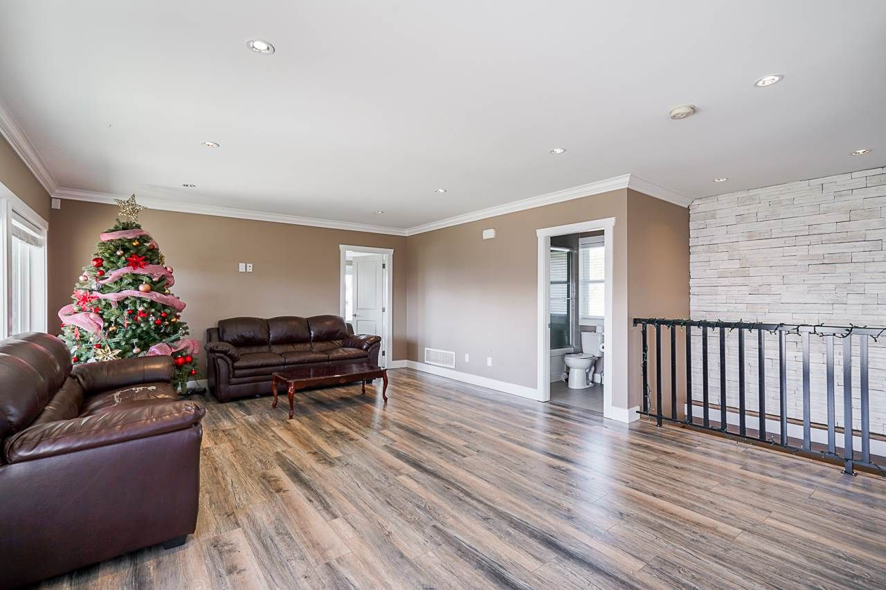 Photo 2: Photos: 1458 GLADWIN Road in Abbotsford: Poplar House for sale : MLS®# R2547303