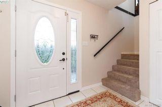 Photo 3: 1927 Cultra Ave in SAANICHTON: CS Saanichton House for sale (Central Saanich)  : MLS®# 836406