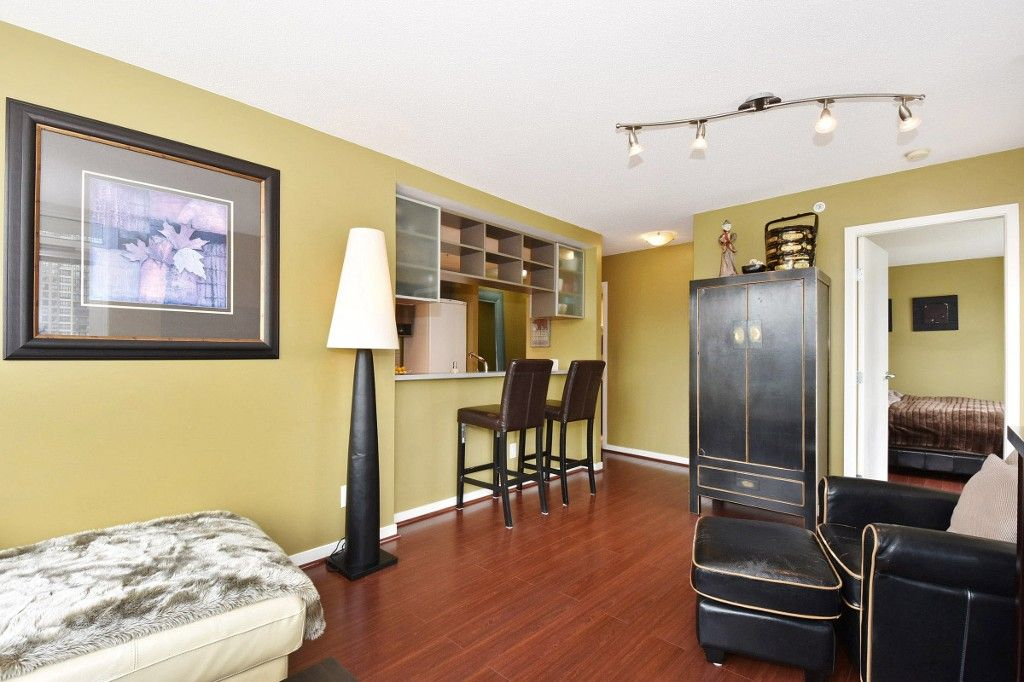 """Photo 4: Photos: 1708 928 BEATTY Street in Vancouver: Yaletown Condo for sale in """"MAX 1"""" (Vancouver West)  : MLS®# R2165040"""
