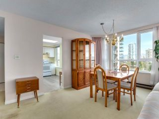 "Photo 10: 901 6152 KATHLEEN Avenue in Burnaby: Metrotown Condo for sale in ""THE EMBASSY"" (Burnaby South)  : MLS®# R2568817"