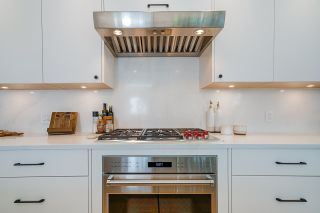 """Photo 4: 403 BEACH Crescent in Vancouver: Yaletown Townhouse for sale in """"WATERFORD"""" (Vancouver West)  : MLS®# R2611200"""