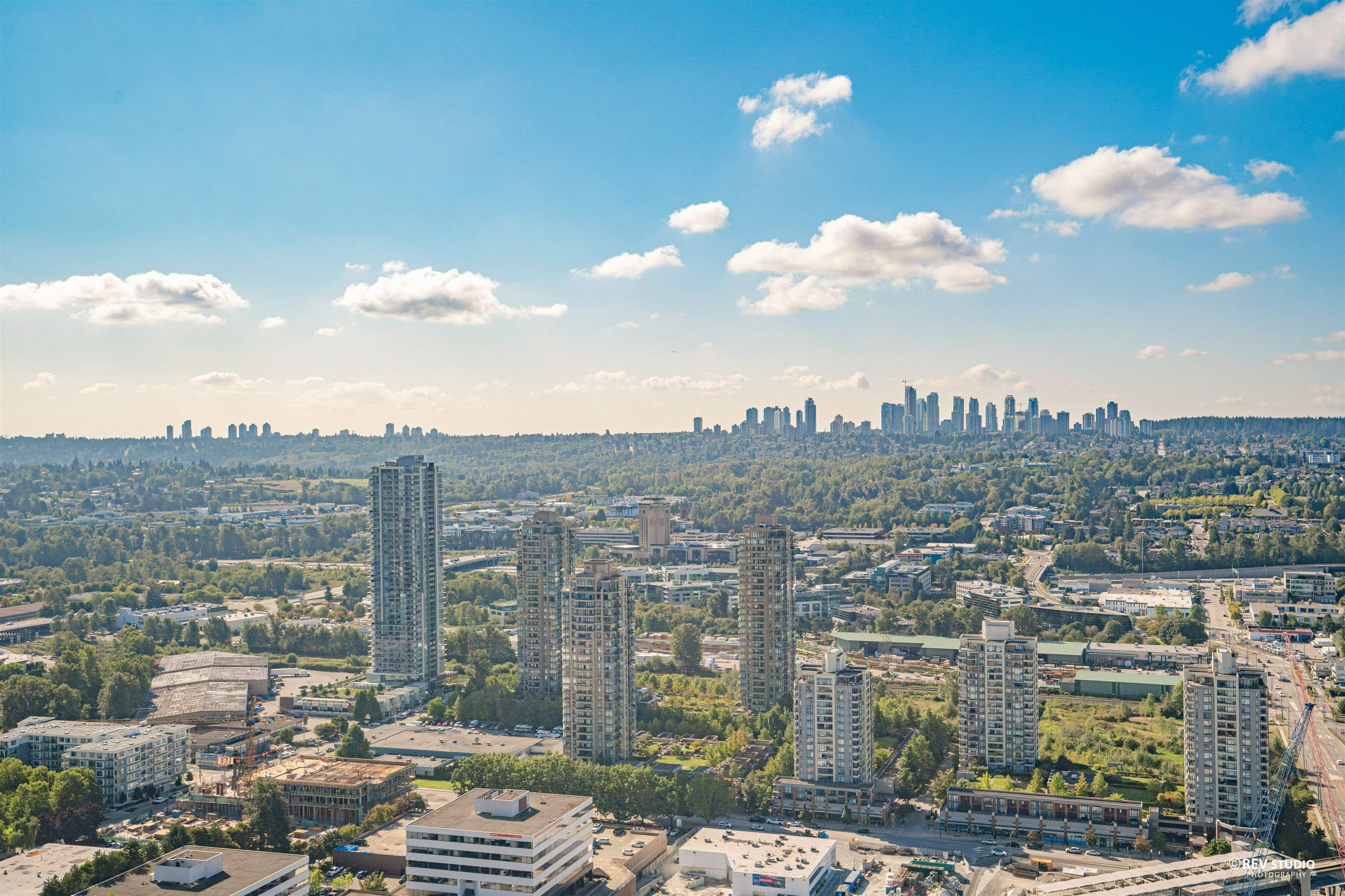 """Main Photo: 4010 1788 GILMORE Avenue in Burnaby: Brentwood Park Condo for sale in """"ESCALA"""" (Burnaby North)  : MLS®# R2615776"""