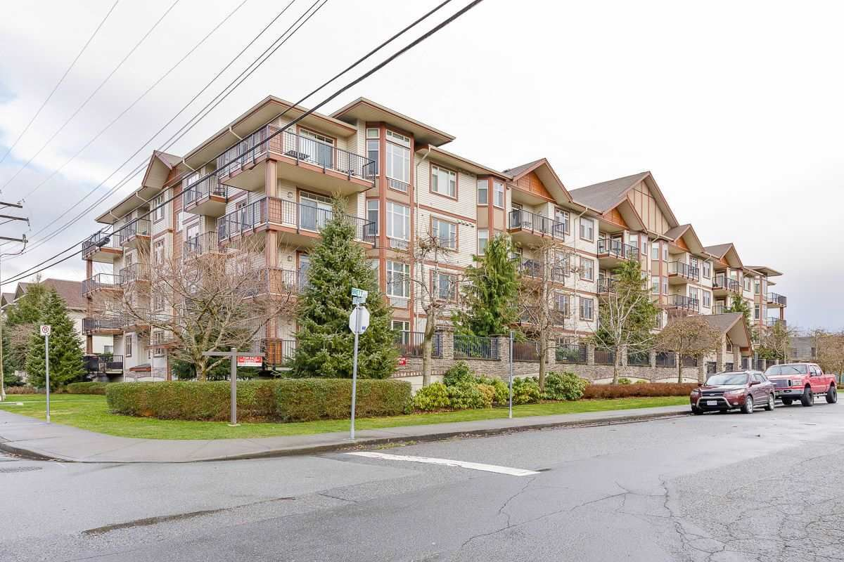 "Main Photo: 202 45615 BRETT Avenue in Chilliwack: Chilliwack W Young-Well Condo for sale in ""THE REGENT"" : MLS®# R2541945"