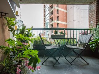 """Photo 14: 303 1226 HAMILTON Street in Vancouver: Yaletown Condo for sale in """"GREENWICH PLACE"""" (Vancouver West)  : MLS®# R2056690"""