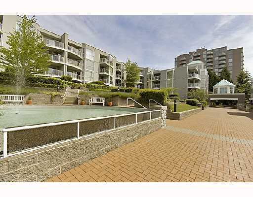 "Main Photo: 211 8430 JELLICOE Street in Vancouver: Fraserview VE Condo for sale in ""BOARDWALK"" (Vancouver East)  : MLS®# V718327"