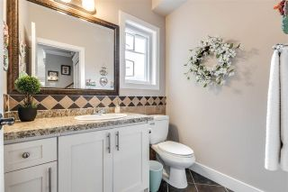 """Photo 12: 119 3333 DEWDNEY TRUNK Road in Port Moody: Port Moody Centre Townhouse for sale in """"CENTRE POINT"""" : MLS®# R2408387"""