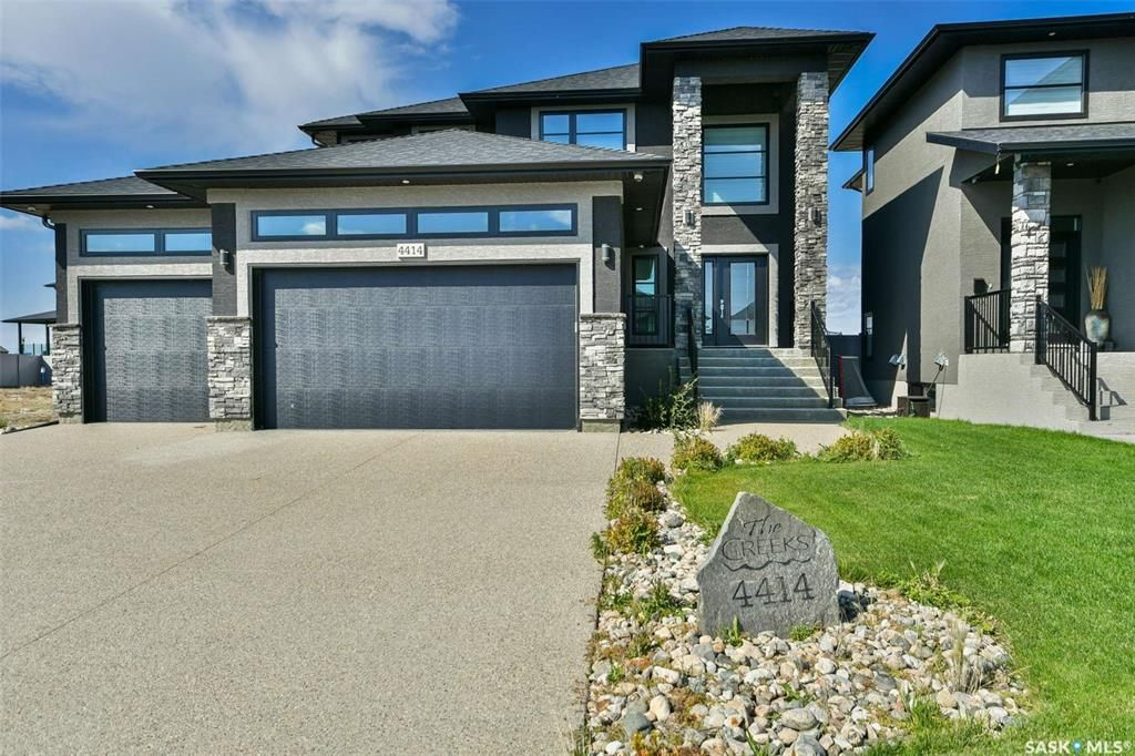Main Photo: 4414 Wolf Willow Place in Regina: The Creeks Residential for sale : MLS®# SK870211