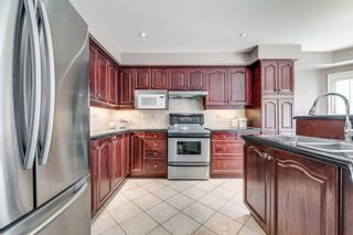 Photo 7: 2230 Empire Crescent in Burlington: Orchard House (2-Storey) for sale : MLS®# W4961821