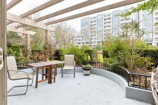 """Photo 24: 107 525 WHEELHOUSE Square in Vancouver: False Creek Condo for sale in """"HENLEY COURT"""" (Vancouver West)  : MLS®# R2529742"""