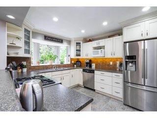 """Photo 11: 21387 87B Avenue in Langley: Walnut Grove House for sale in """"Forest Hills"""" : MLS®# R2585075"""