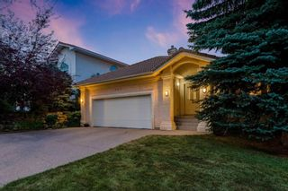 Photo 2: 217 Signature Way SW in Calgary: Signal Hill Detached for sale : MLS®# A1148692
