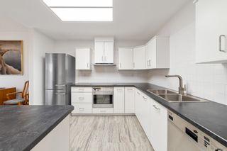 """Photo 13: 405 1705 MARTIN Drive in Surrey: White Rock Condo for sale in """"Southwynds"""" (South Surrey White Rock)  : MLS®# R2625485"""