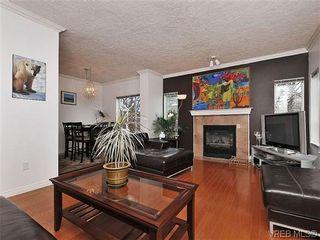 Photo 2: 601 1500 Elford St in VICTORIA: Vi Fernwood Condo for sale (Victoria)  : MLS®# 628438