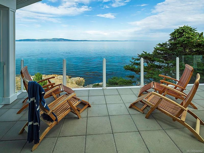 FEATURED LISTING: 2940 Mt. Baker View Rd Saanich