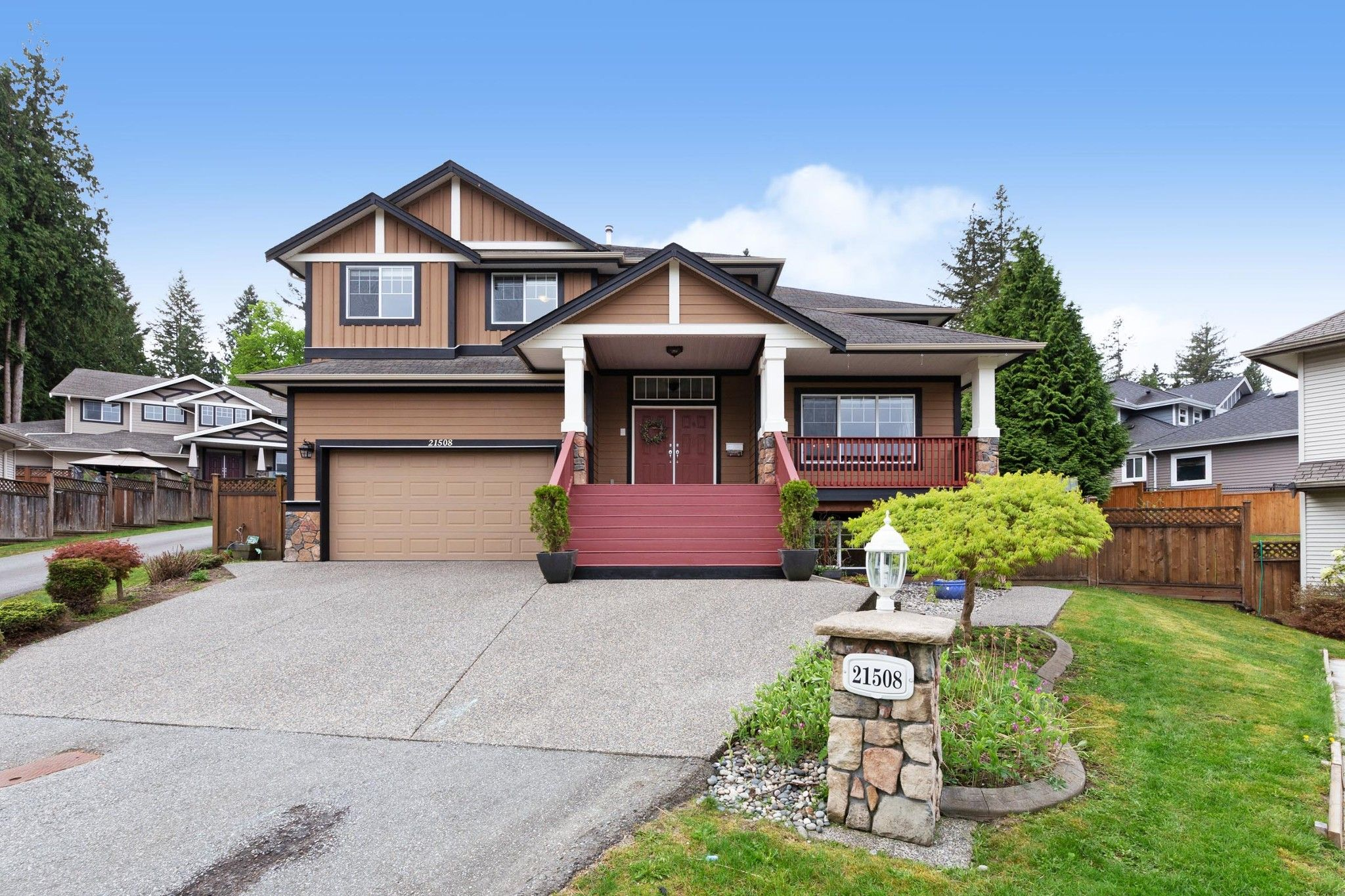 Main Photo: 21508 SPRING Avenue in Maple Ridge: West Central House for sale : MLS®# R2572329
