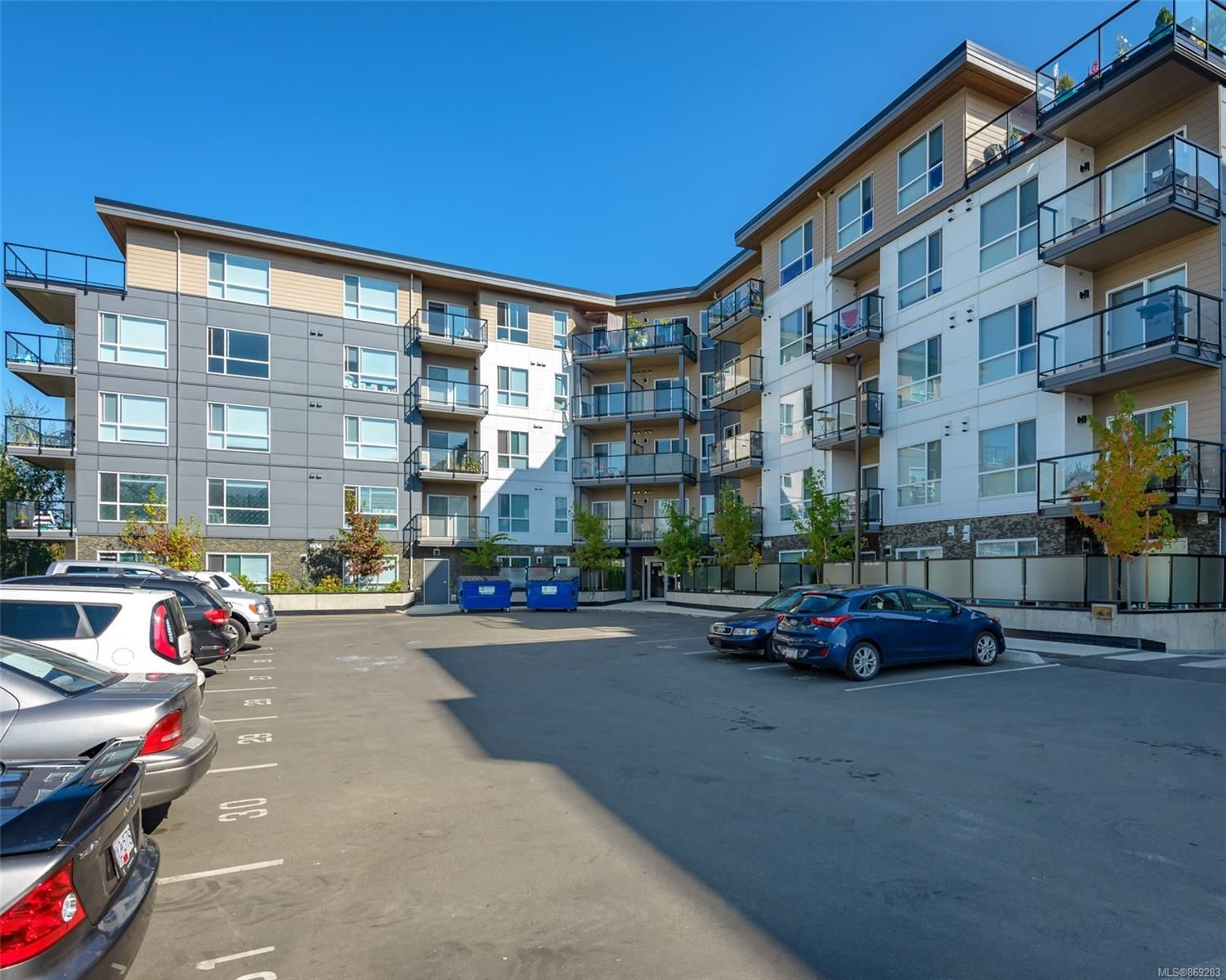 Main Photo: PH3 3070 Kilpatrick Ave in : CV Courtenay City Condo for sale (Comox Valley)  : MLS®# 869283