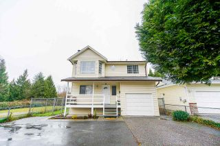 Photo 1: 20703 51B Avenue in Langley: Langley City House for sale : MLS®# R2523684