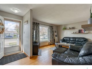 Photo 3: 1048 Grace Street in Moose Jaw: Palliser Residential for sale : MLS®# SK852566