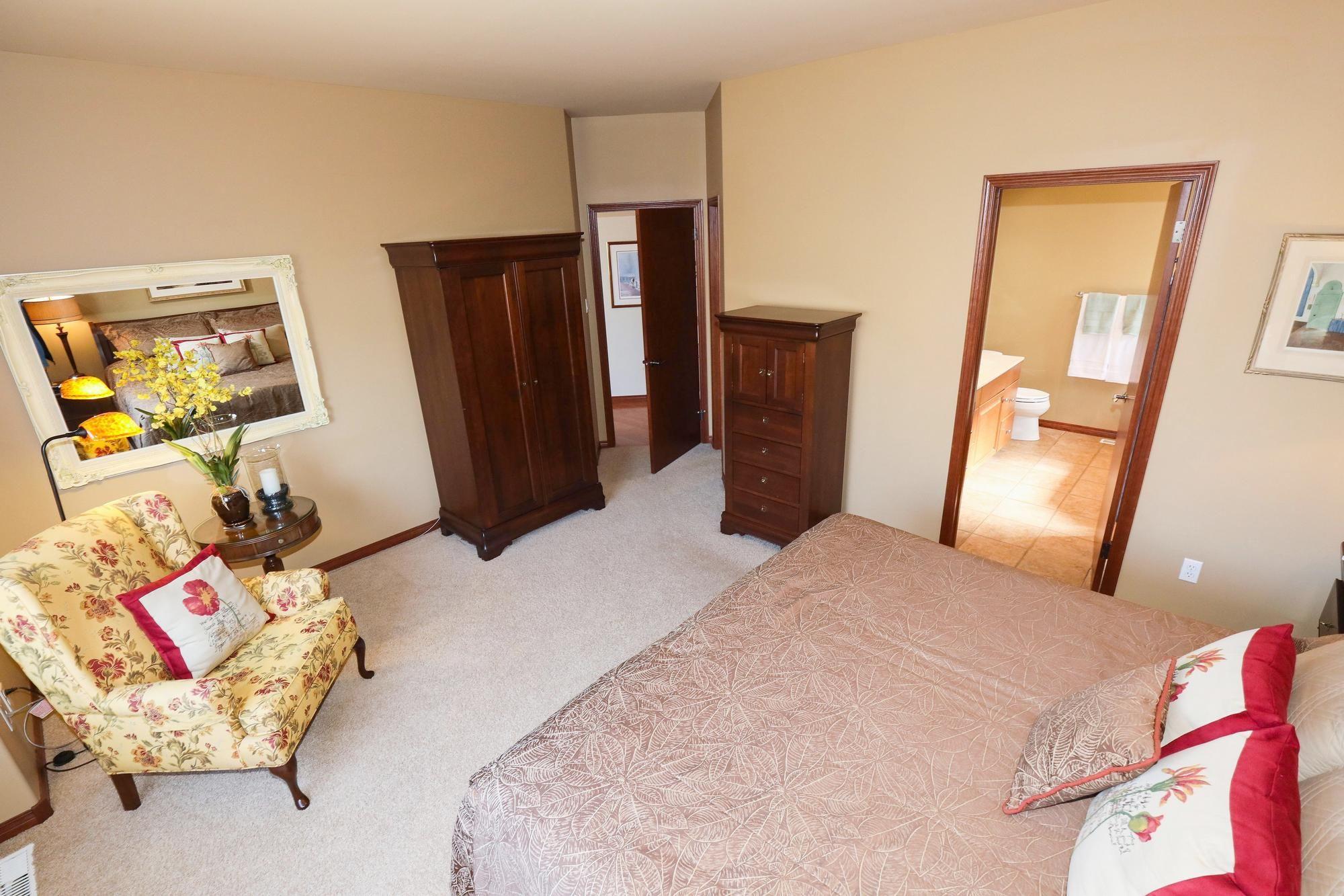 Photo 18: Photos: 7 Castle Ridge Drive in Winnipeg: Linden Ridge Single Family Detached for sale (1M)  : MLS®# 202107901