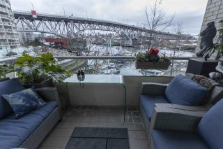 """Photo 2: 404 1600 HORNBY Street in Vancouver: Yaletown Condo for sale in """"YACHT HARBOUR POINTE"""" (Vancouver West)  : MLS®# R2562490"""
