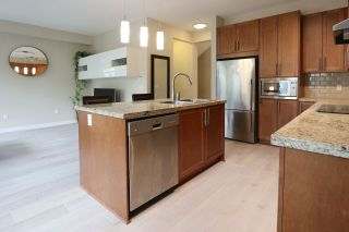 """Photo 5: 33 2738 158 Street in Surrey: Grandview Surrey Townhouse for sale in """"CATHEDRAL GROVE BY POLYGON"""" (South Surrey White Rock)  : MLS®# R2563764"""