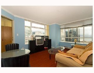 """Photo 3: 1104 438 SEYMOUR Street in Vancouver: Downtown VW Condo for sale in """"CONFERENCE PLAZA"""" (Vancouver West)  : MLS®# V776093"""
