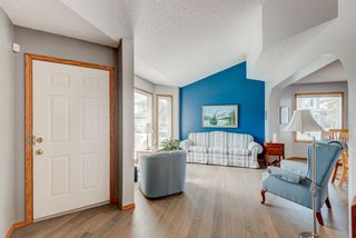 Photo 10: 205 Hawkmount Close NW in Calgary: Hawkwood Detached for sale : MLS®# A1092533