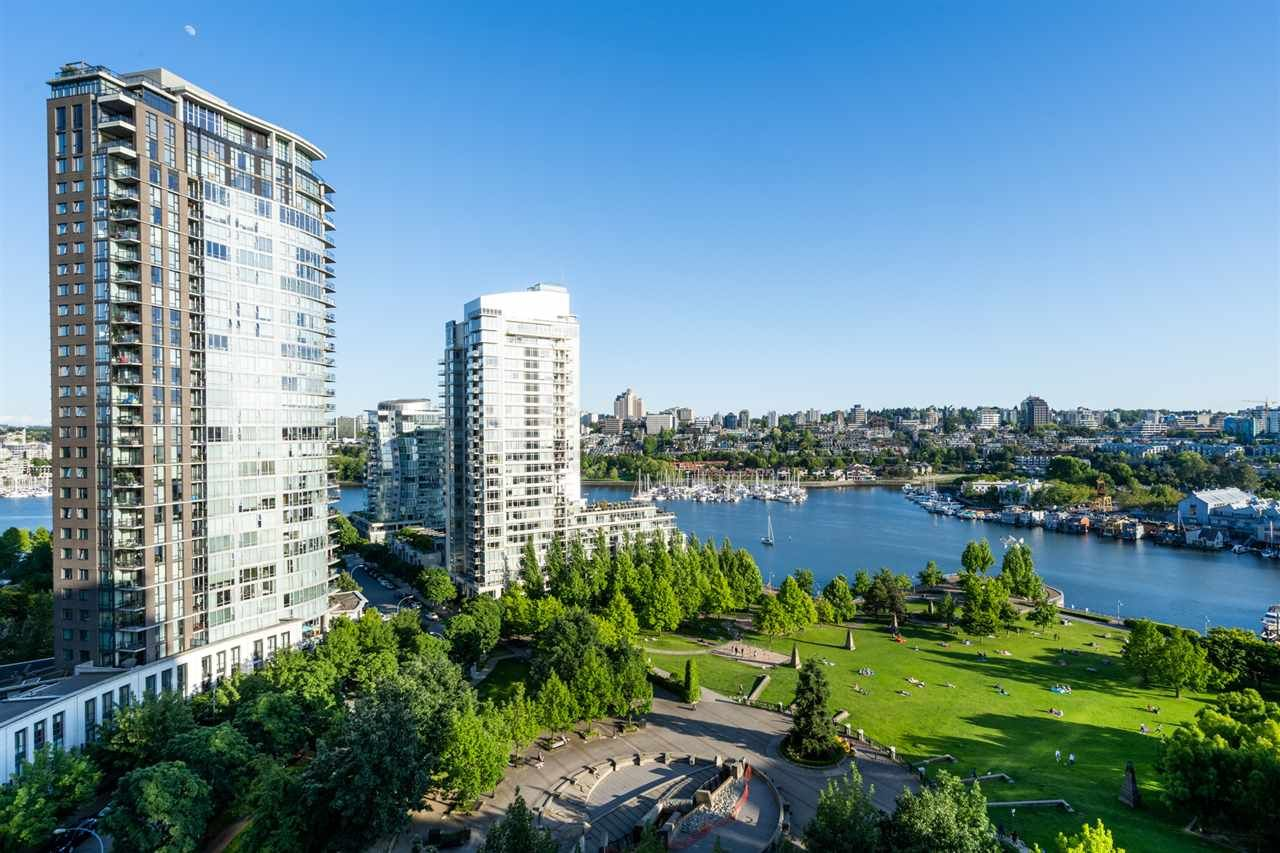 Main Photo: 1805 583 BEACH CRESCENT in Vancouver: Yaletown Condo for sale (Vancouver West)  : MLS®# R2462178