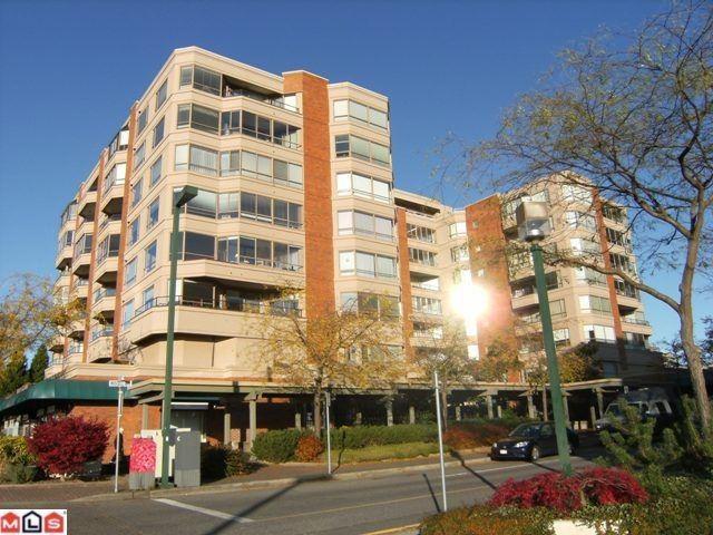 """Main Photo: 311 15111 RUSSELL Avenue: White Rock Condo for sale in """"Pacific Terrace"""" (South Surrey White Rock)  : MLS®# F1209064"""
