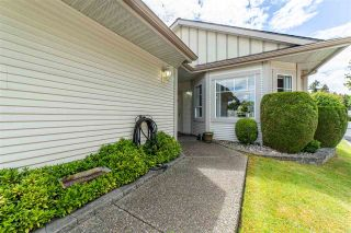 """Photo 3: 116 20655 88 Avenue in Langley: Walnut Grove Townhouse for sale in """"Twin Lakes"""" : MLS®# R2591263"""
