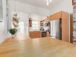 Photo 8: 1613 E 4TH AVENUE in Vancouver: Grandview VE House for sale (Vancouver East)  : MLS®# R2096953