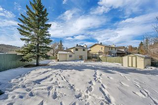 Photo 3: 123 Edgewood Drive NW in Calgary: Edgemont Detached for sale : MLS®# A1070079