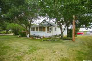 Photo 2: 300 Carson Street in Dundurn: Residential for sale : MLS®# SK863993