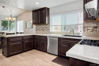Photo 12: 1005 Maryland Dr in Vista: Residential for sale (92083 - Vista)  : MLS®# 200043146