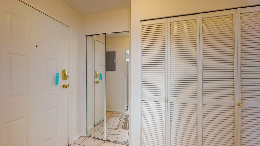 "Photo 12: Photos: 308 5711 MERMAID Street in Sechelt: Sechelt District Condo for sale in ""MERMAID BUILDING"" (Sunshine Coast)  : MLS®# R2593663"