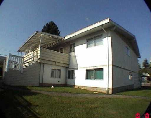 "Photo 3: Photos: 2956 - 2958 268A ST in Langley: Aldergrove Langley Fourplex for sale in ""Aldergrove"" : MLS®# F2518682"