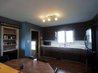 Photo 9: 165 Broadway Street in Holland: House for sale : MLS®# 202124951