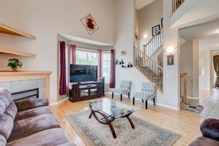 Photo 9: 250 Elmont Bay SW in Calgary: Springbank Hill Detached for sale : MLS®# A1119253